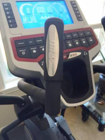 sole e95 elliptical console 2